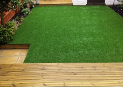 19 Decking & Artificial Lawn - Newland Spring (2)